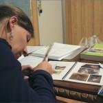 Niet voor gevoelige kijkers. Marianne studeert op erg, erg vieze ziektes.
