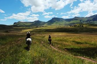 Sehlabathebe biedt uitgestrekte grasvlakten, knappe bergen, riviertjes om uit te drinken en vis om te vangen.