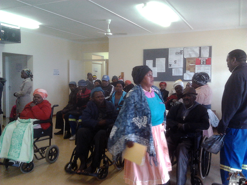 Patiënten in de clinic, allemaal aan het wachten op mij