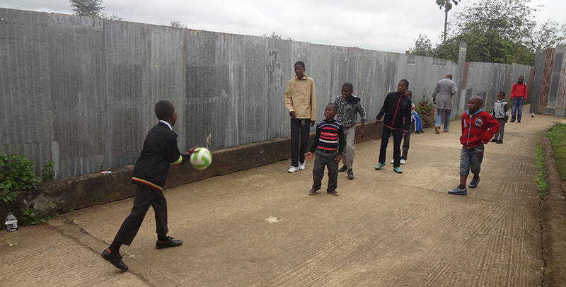 Voetballen op de HIV-dag